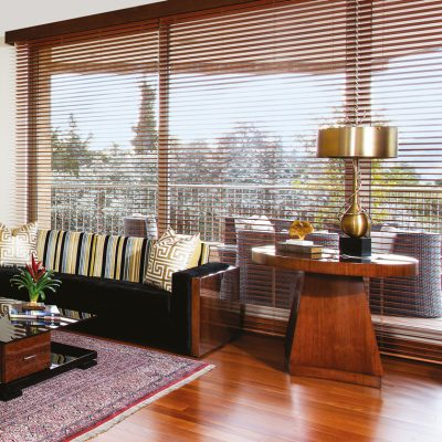 Sofa-luxo,-mesa-auxiliar-luxo,-mesa-de-centro-italy